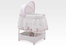 Delta Minnie's World Gliding Bassinet