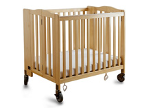 Delta Children Freeport Foldaway Crib, Natural + 4 PC Bedding