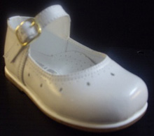 Karela Kids Girls White Dress Shoe