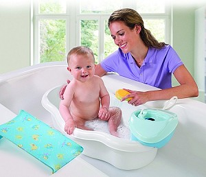 Newborn-to-Toddler Bath Center & Shower