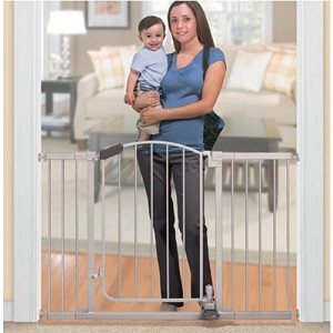 Summer Infant Stylish&Secure� Step To Open Gate