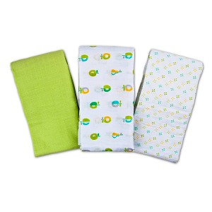 Summer Infant SwaddleMe� Muslin Blankets 3-Pack Apple and Pear