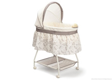 Delta Children Sweet Beginnings Deluxe Bassinet Falling Leaves