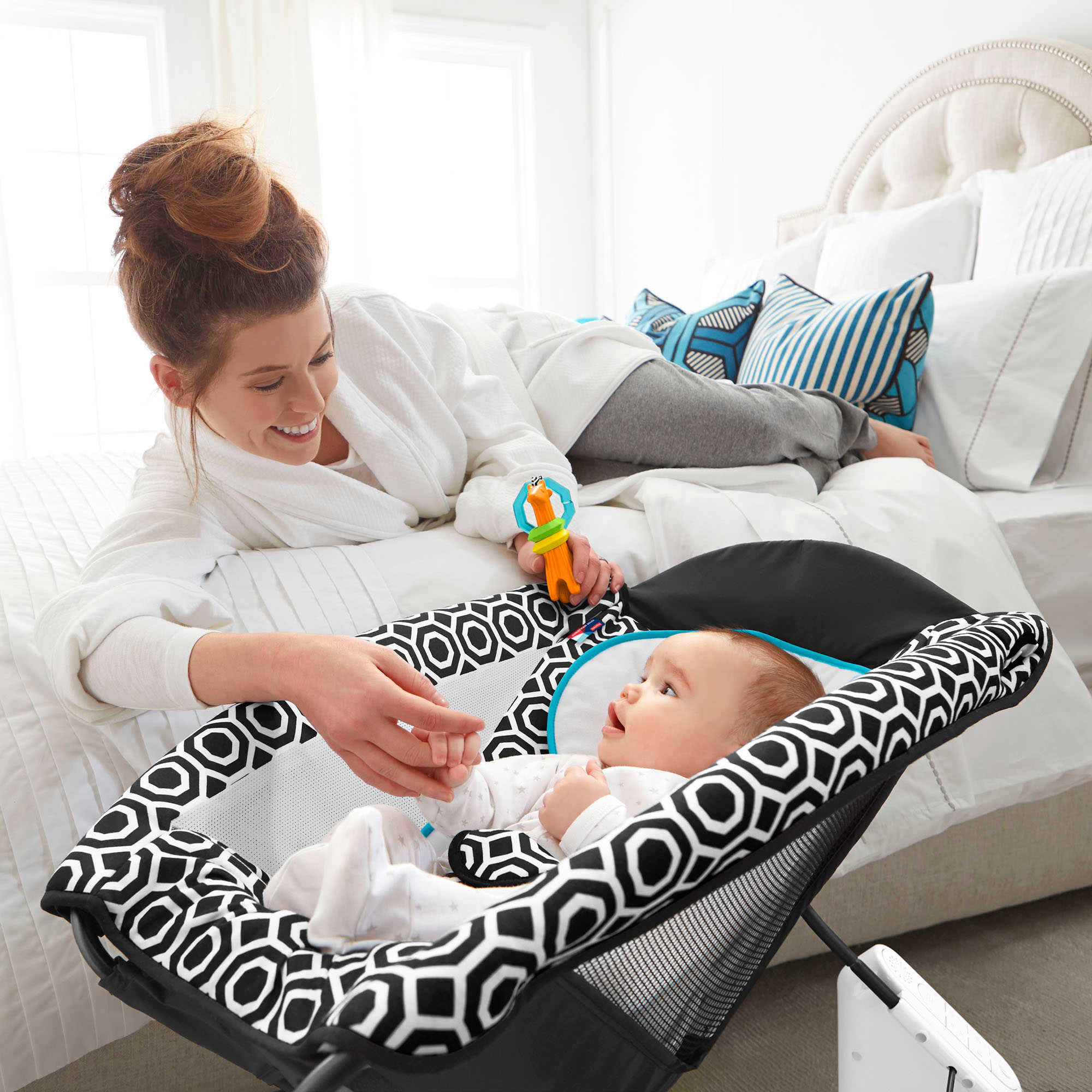 Fisher-Price Deluxe Rock \'N Play Sleeper by Jonathan Adler - Ideal Baby