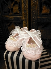 Will'Beth Baby Girl Sweet White Pink Frilly Lace Shoe