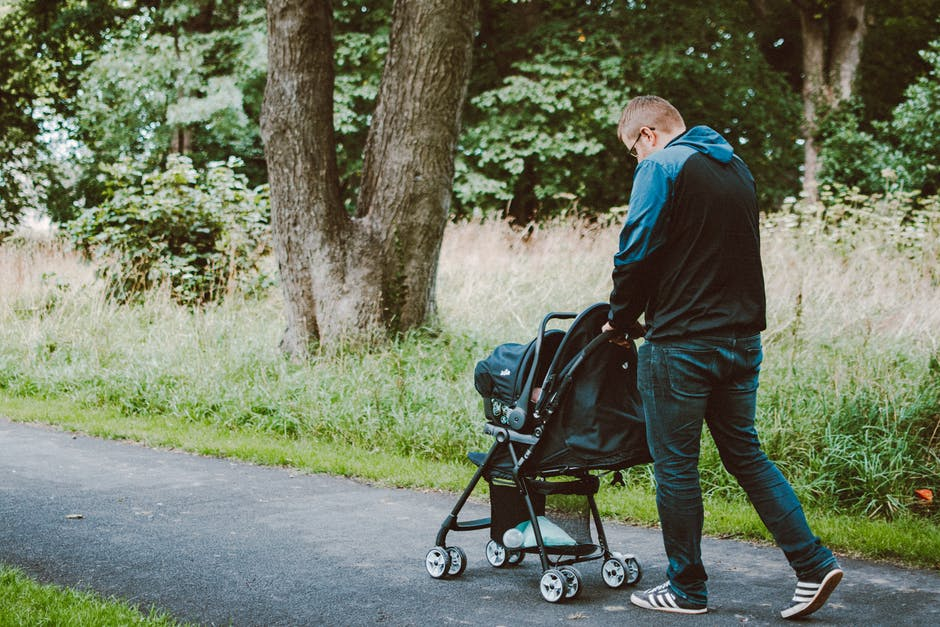 Guide to Stroller Travel Systems: How to Find the Best Travel System